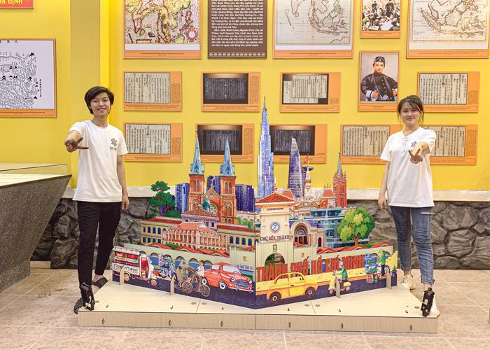 Mô hình popup khổng lồ về kiến trúc nổi tiếng Sài Gòn