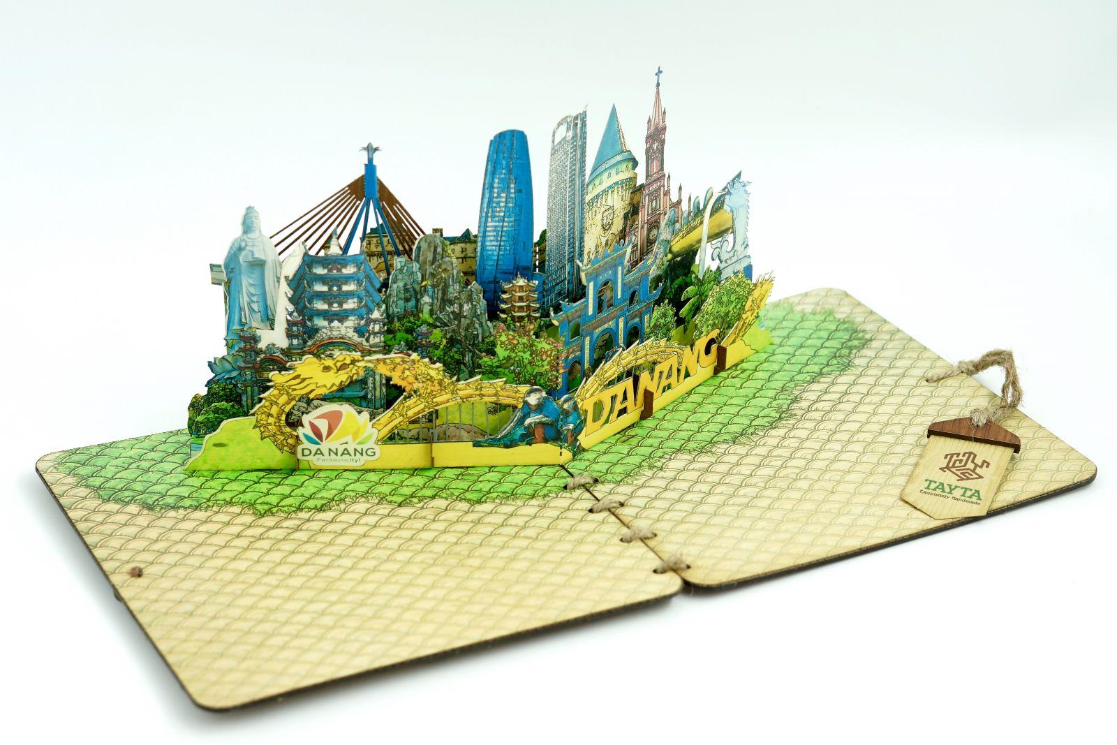 Ảnh: Thiệp nổi 3D về các địa danh nổi tiếng tại Đà Nẵng do Tayta thiết kế